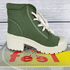 NEW CL Canvas Army Green Lace up Combat Ankle Boot